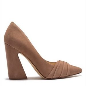 NIB size 13 Nine West Holliman beige block heels